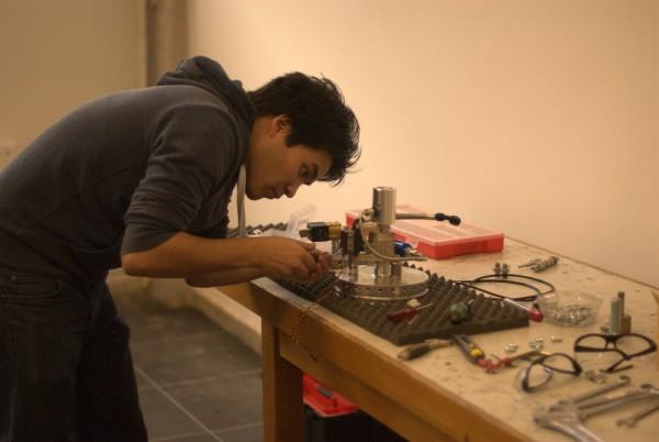 Hybid Team assembling rocket motor components