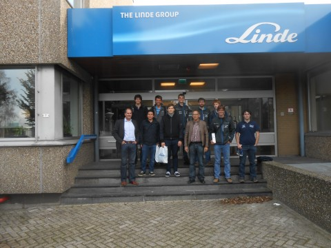 The DARE team in front of the Linde Demonstration Center