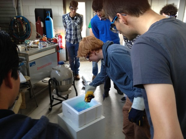 Demonstration of the effects of cryogenic liquids